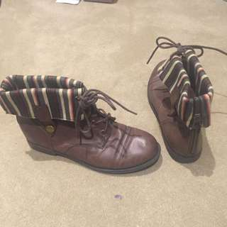 Blossom Collection Brown Boots
