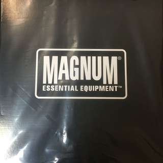 MAGNUM BOOTS US SIZE 12 (RESERVED)