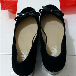 Hels 5cm Ananas With Box Size 37