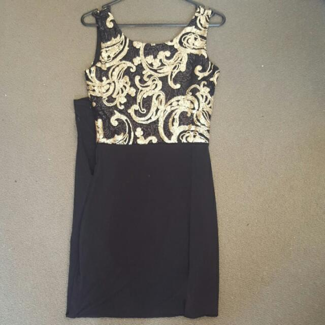 Boohoo Size 8 Maxi Dress
