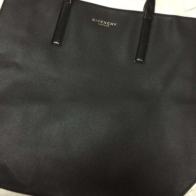 967ff209569 Givenchy Parfums Tote Bag, Women s Fashion on Carousell