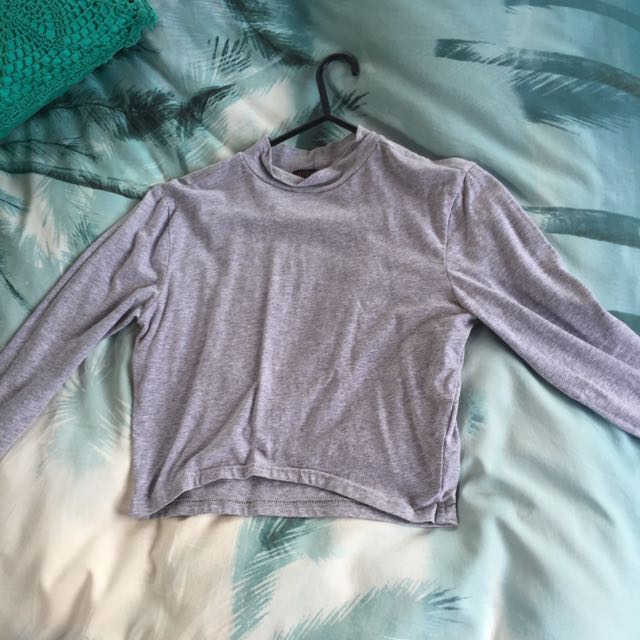 Long Sleeve Grey Crop
