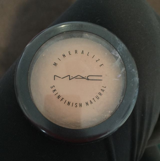 MAC Mineralise Skin Finish Bronzer In Medium Dark