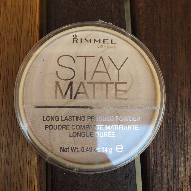 NEW - Rimmel Stay Matte - Powder Foundation (Peach Glow 003)