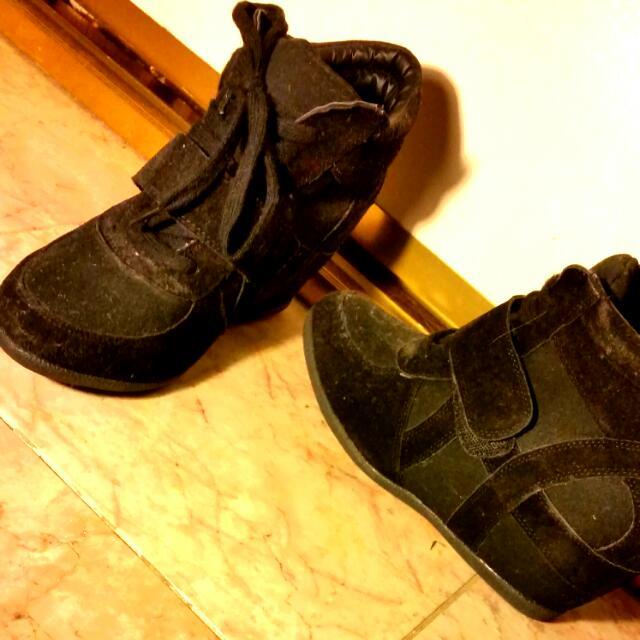 NEW runner/heels