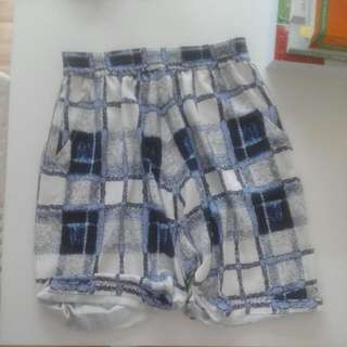 FINDERS KEEPERS shorts (Never Worn) Size XS