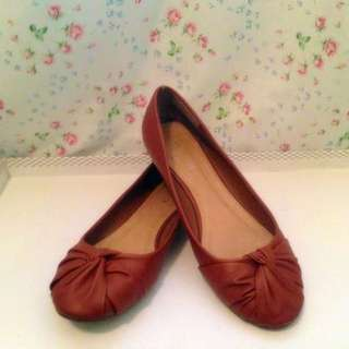 Size 40 Brown Flats