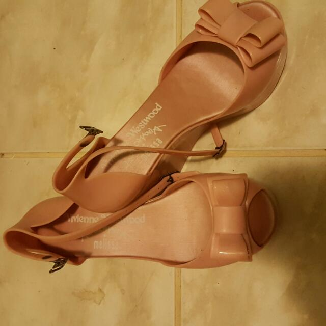 $10 Jelly Shoes Size 5