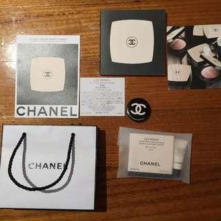 CHANEL Les Beiges Mini No 10 CC BB compact powder & Badge