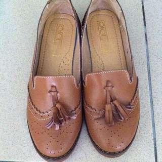 牛津雕花樂福鞋