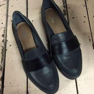 Wittner Shoes