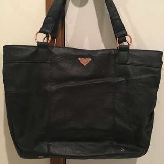 Black Roxy Handbag