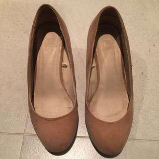 Rubi Size 5 Shoes