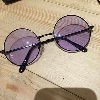 紫色圓眼鏡