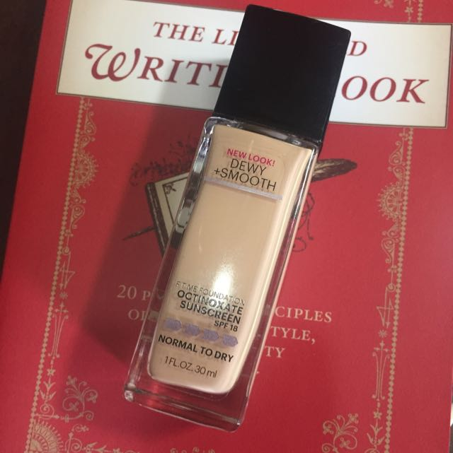 Maybelline Fit Me Dewy+Smooth Foundation #120 classic Ivory