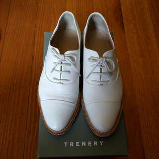 Greenery White Shoes