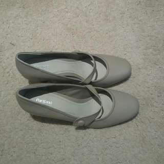 Portland Comfy Work Shoes Size 10
