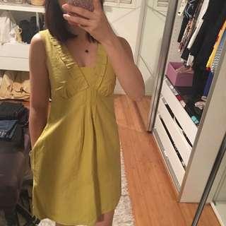 Cue dress size 6(mustard colour)