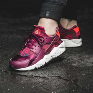 Nike Huarache Deep Garnet Bright Crimson