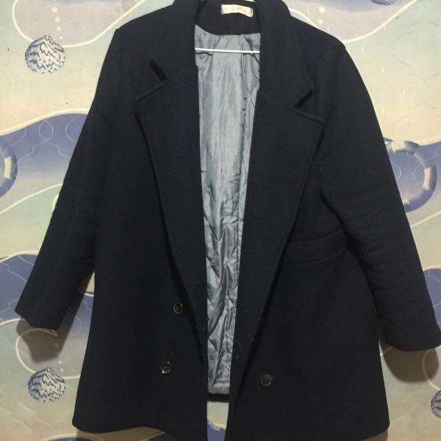 深藍色長版大衣