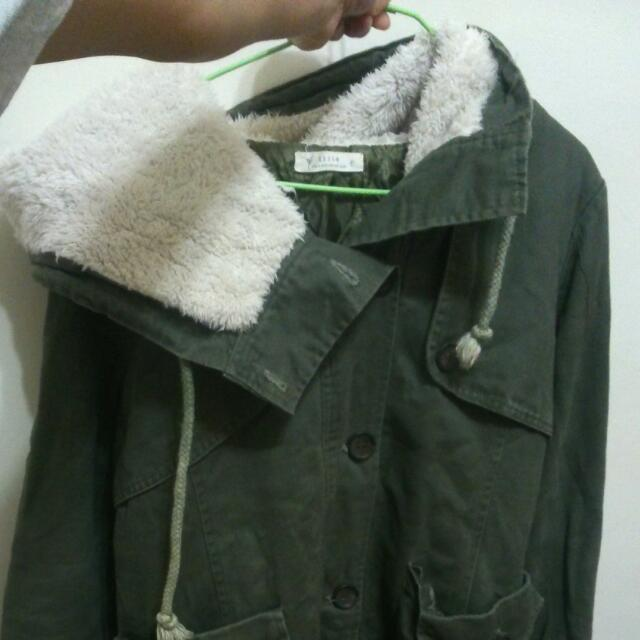 軍綠長版大衣 (金錢or換物)
