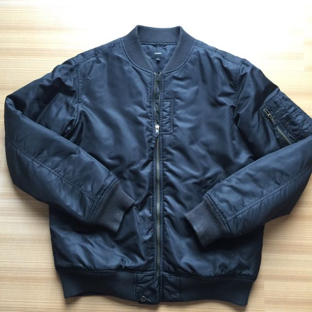 Bossini黑色飛行外套