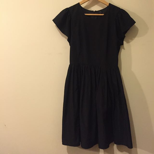 Fitted Tokito Size 8 Black Picnic Dress