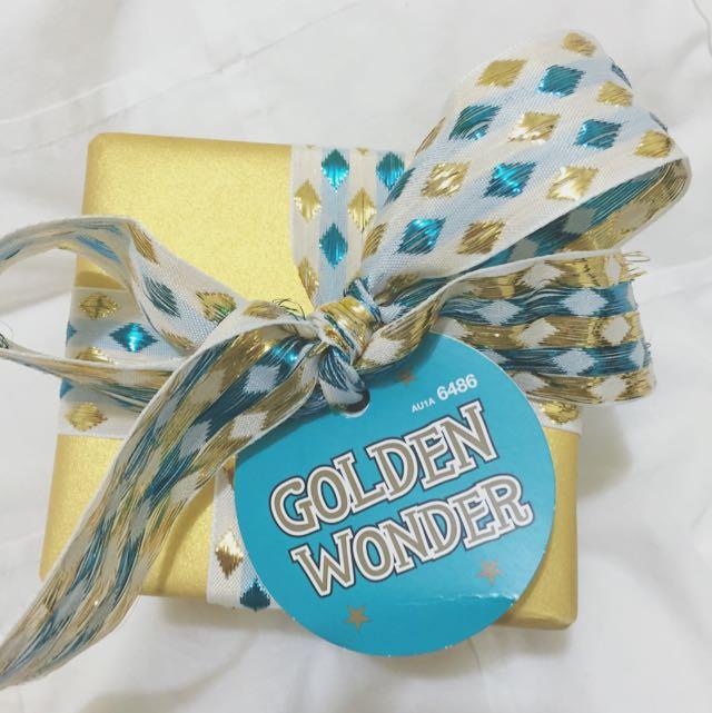LUSH Golden Wonder Christmas Set