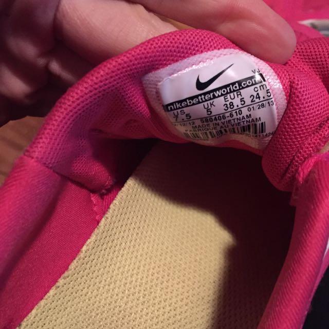 Nike Free 40 V3 Size 7.5