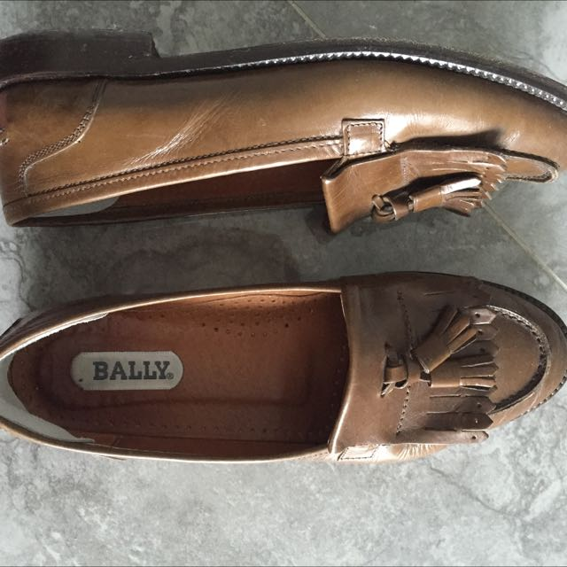 27719c8df203e Preloved Vintage Bally Loafers