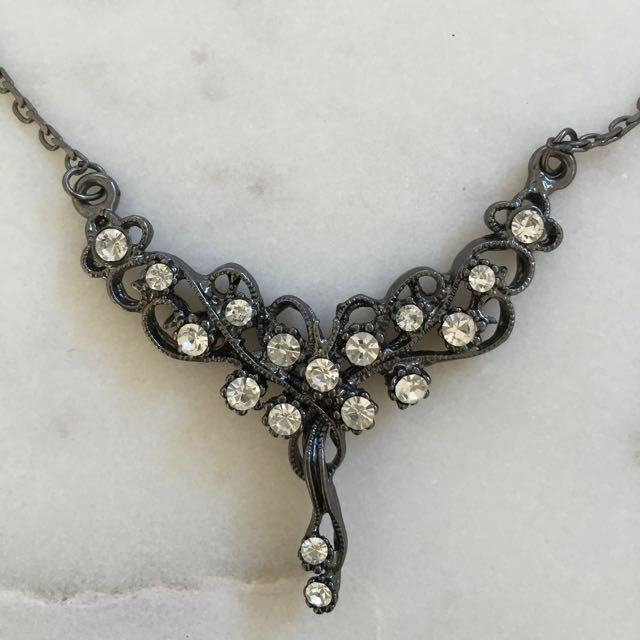 Small Diamanté Necklace