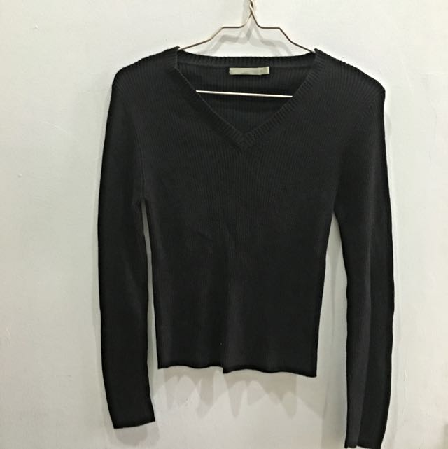 Sweater Hitam G2000