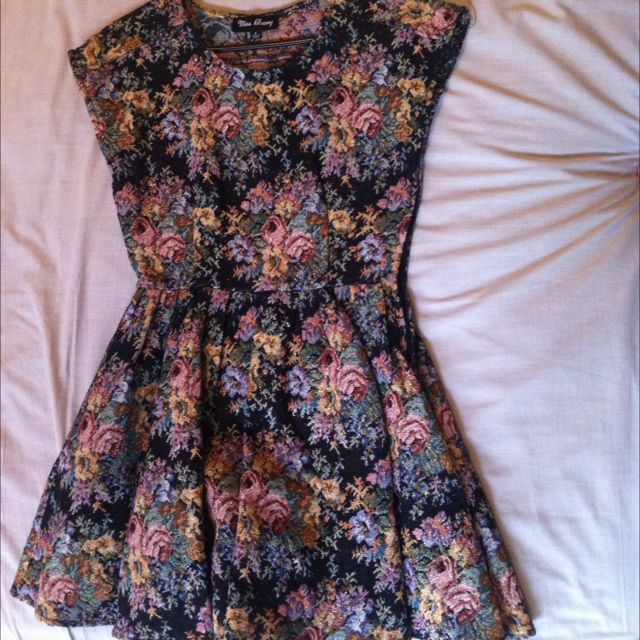 Textured Floral Dress (size 8)