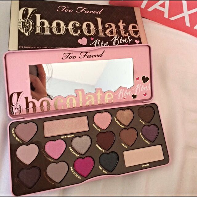 TOO FACED CHOCOLATE BON BON PALETTE