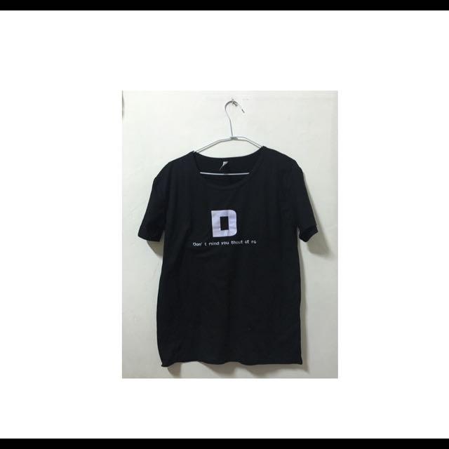 黑色tshirt