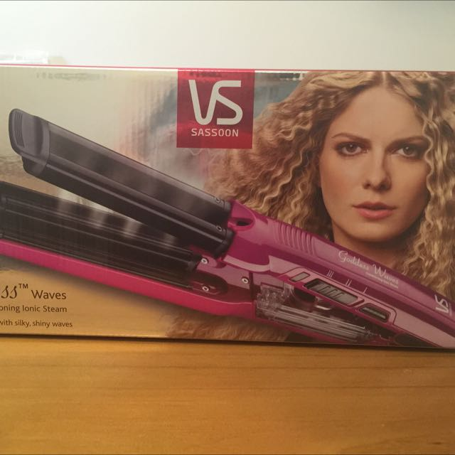 VS Sassoon Goddess Waves
