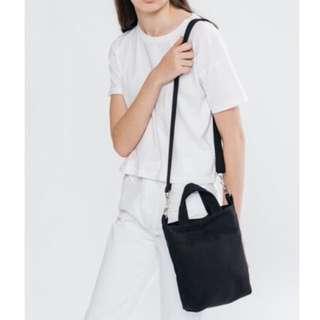 日本限定 BAGGU MINI DUCK BAG 可調肩背手提兩用包