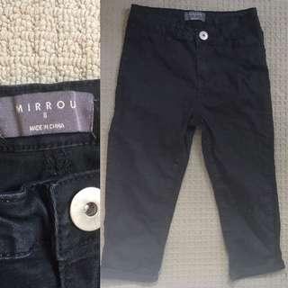 Size 8 (Fits 6) Black 3/4 Pants