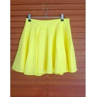 High Waisted Yellow Skirt