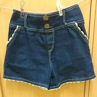 深藍色蕾絲邊牛仔短褲