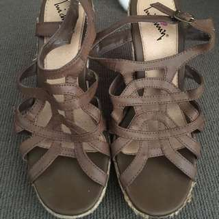 Size 7 Brown Strapped Wedges