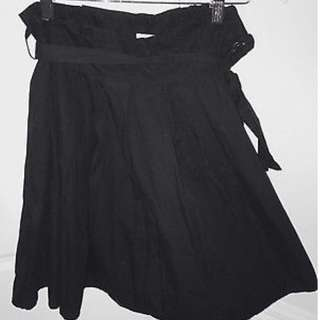 Black Valley Girl size 8 skirt with bow belt