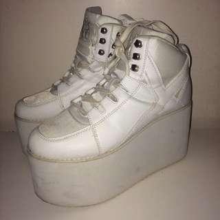 Yru 白色厚底鞋