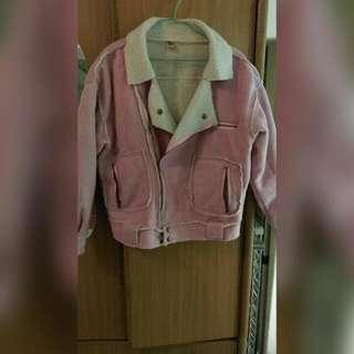 粉色短版外套