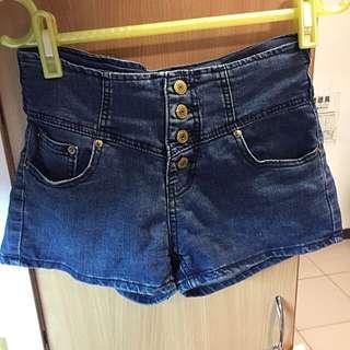 (二手)高腰排扣牛仔丹寧短褲