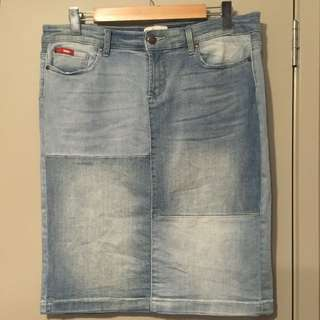 Size 14 Lee Cooper Denim Stretch Skirt