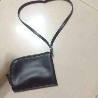 質感超好~頸掛包 黑色零錢包手機包小包