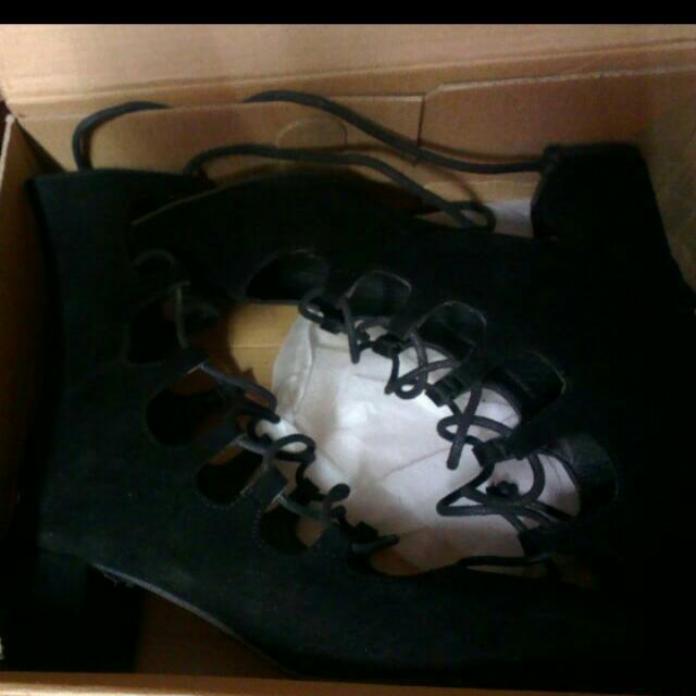二手●低根羅馬鞋●