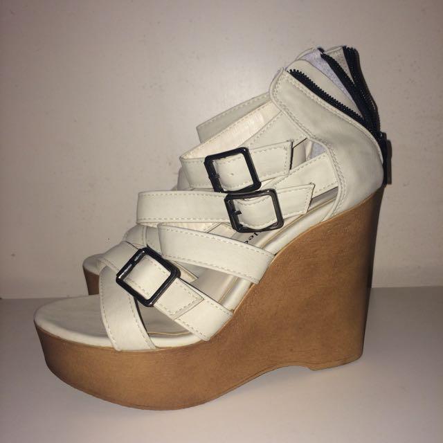 韓貨 白色楔型涼鞋