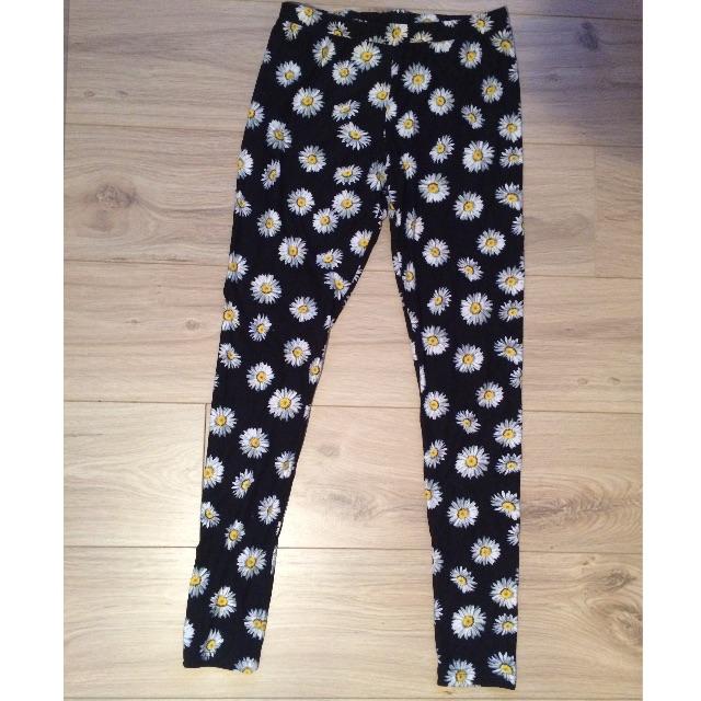 Daisy pattern tights